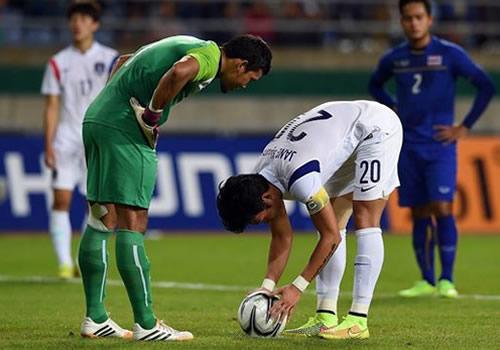 ฟุตบอล เกาหลีใต้ 2 – 0 ไทย